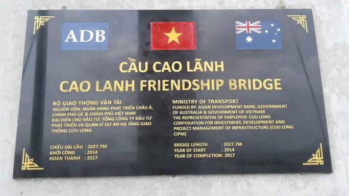 Ngắm cầu Cao Lãnh bắc qua sông Tiền trước ngày thông xe - Ảnh 8.