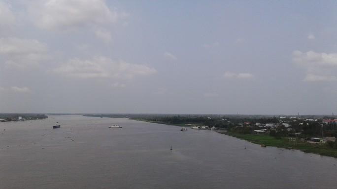Ngắm cầu Cao Lãnh bắc qua sông Tiền trước ngày thông xe - Ảnh 10.