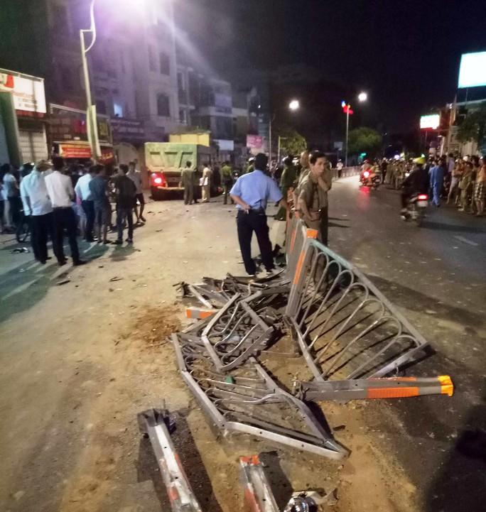 1 người đã tử vong sau vụ tai nạn kinh hoàng ở Gò Vấp - Ảnh 1.