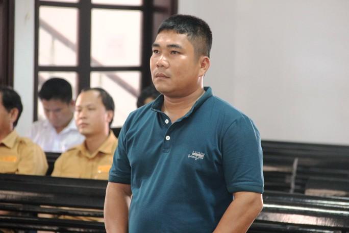 Xúc động khi nghe con trai cố nhà báo Nguyễn Đình Quân xin giảm nhẹ hình phạt cho tài xế tông chết cha mình - Ảnh 1.