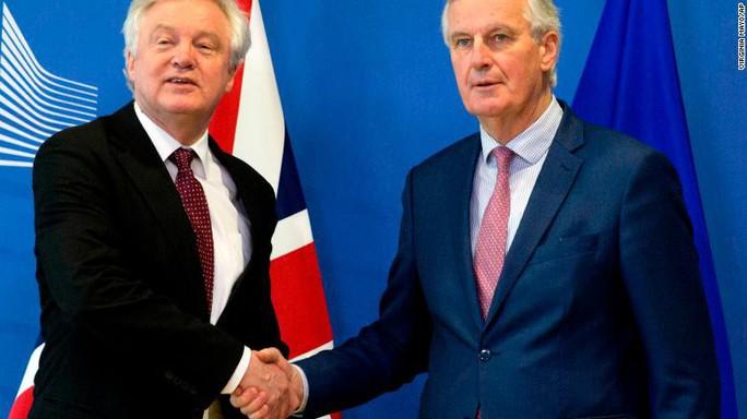 Anh và EU đạt bước đi quyết định về Brexit - Ảnh 1.