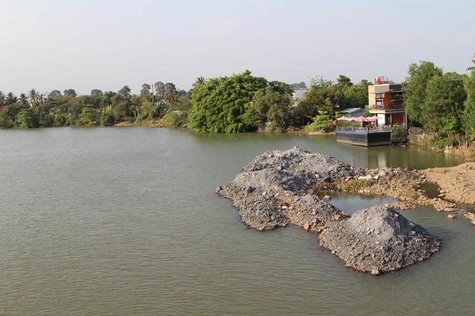 Sông Đồng Nai lại bị lấp, lấn - Ảnh 1.