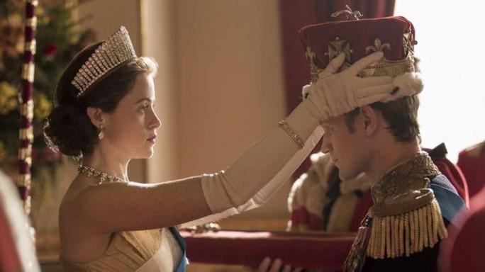 Nữ hoàng Claire Foy được xin lỗi vì thù lao - Ảnh 1.