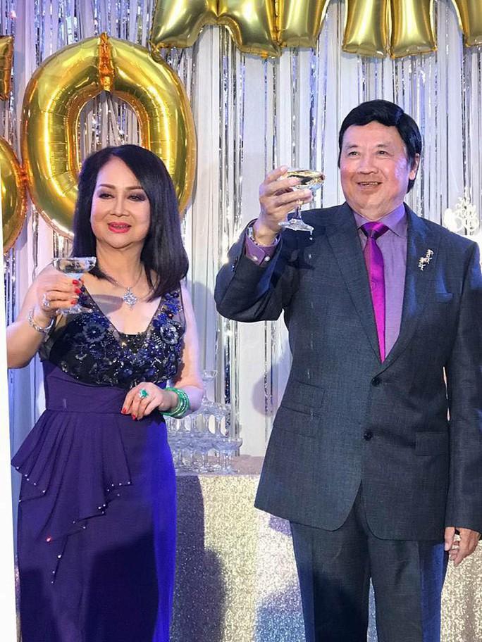 Nghệ sĩ chung vui đám cưới vàng của danh hài Bảo Quốc - Ảnh 2.