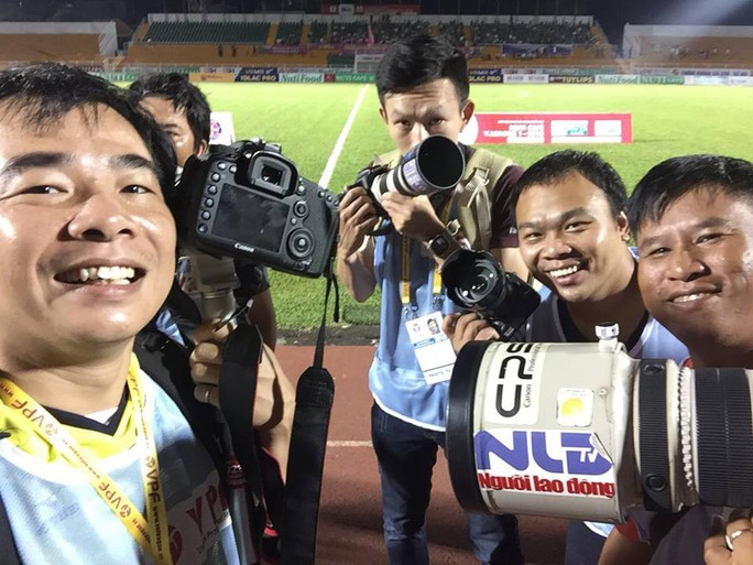 Phát động cuộc thi ảnh đẹp V-League 2018 - Ảnh 1.