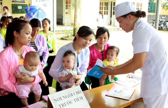 Nhiều thay đổi bất ngờ về tiêm chủng vắc-xin cho mẹ và bé - Ảnh 1.