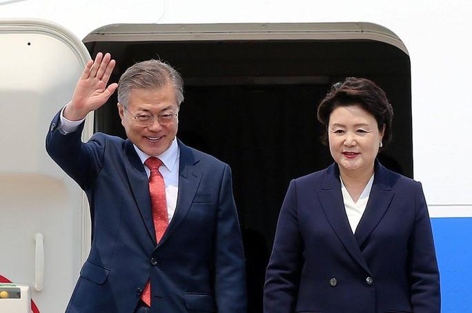 Tổng thống Hàn Quốc bắt đầu thăm Việt Nam, gặp đội U23 Việt Nam - Ảnh 3.