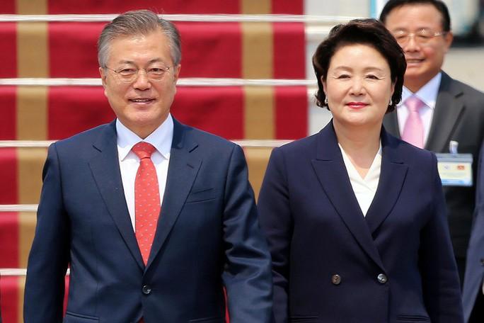 Tổng thống Hàn Quốc bắt đầu thăm Việt Nam, gặp đội U23 Việt Nam - Ảnh 5.