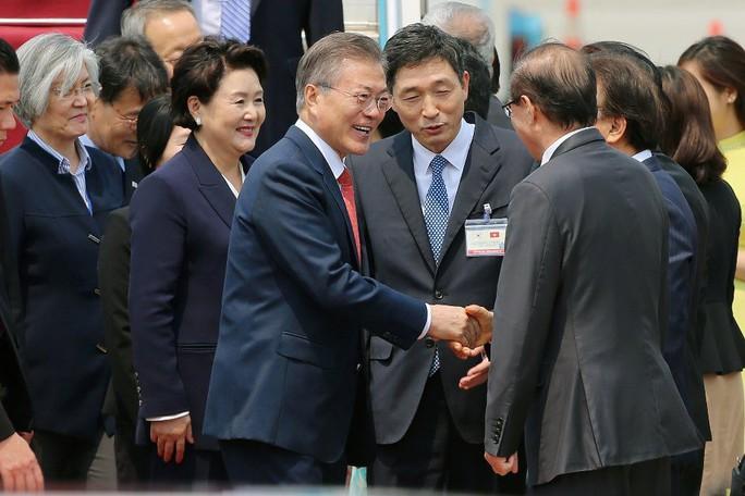 Tổng thống Hàn Quốc bắt đầu thăm Việt Nam, gặp đội U23 Việt Nam - Ảnh 7.