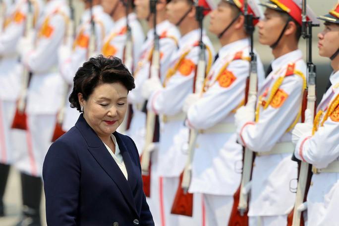 Tổng thống Hàn Quốc bắt đầu thăm Việt Nam, gặp đội U23 Việt Nam - Ảnh 8.