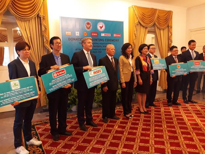 Thái Lan tài trợ 1,35 tỉ đồng cho bệnh nhân nghèo  - Ảnh 1.