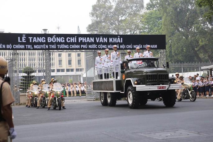 Cố Thủ tướng Phan Văn Khải đang trên đường về đất mẹ - Ảnh 28.