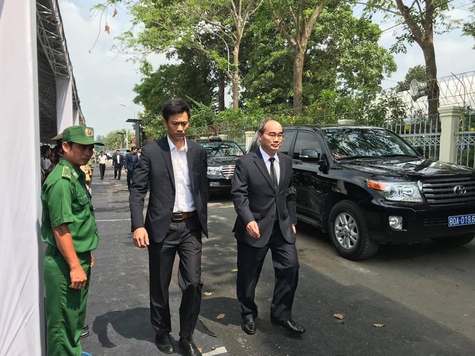 Linh cữu cố Thủ tướng Phan Văn Khải đã về đến quê nhà - Ảnh 6.