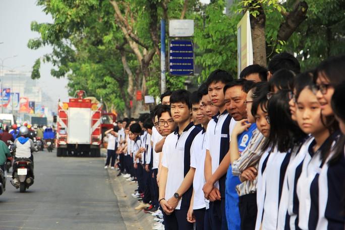 Cố Thủ tướng Phan Văn Khải đang trên đường về đất mẹ - Ảnh 6.