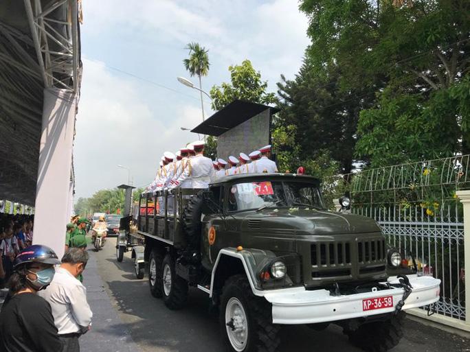 Linh cữu cố Thủ tướng Phan Văn Khải đã về đến quê nhà - Ảnh 1.
