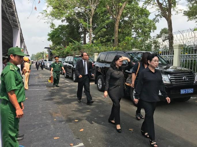 Linh cữu cố Thủ tướng Phan Văn Khải đã về đến quê nhà - Ảnh 3.