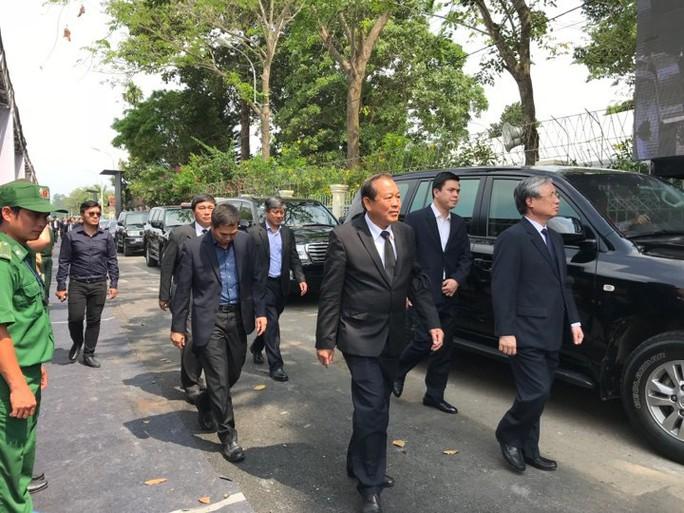Linh cữu cố Thủ tướng Phan Văn Khải đã về đến quê nhà - Ảnh 4.