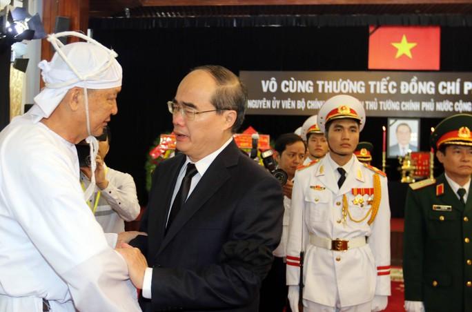 Cố Thủ tướng Phan Văn Khải đang trên đường về đất mẹ - Ảnh 20.