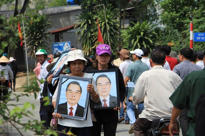 Linh cữu cố Thủ tướng Phan Văn Khải đã về đến quê nhà - Ảnh 9.