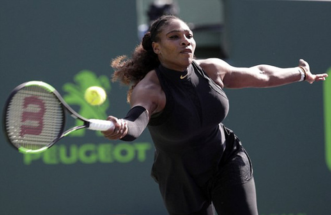 Serena Williams thua sốc Osaka, sớm bị loại khỏi Miami Open - Ảnh 2.