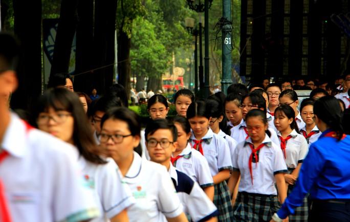 Cố Thủ tướng Phan Văn Khải đang trên đường về đất mẹ - Ảnh 40.