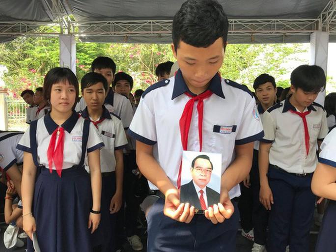 Cố Thủ tướng Phan Văn Khải đang trên đường về đất mẹ - Ảnh 13.