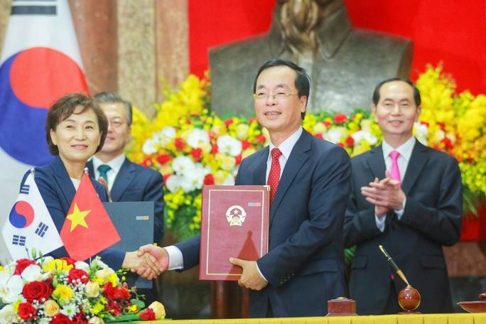 Tổng thống Moon Jae In cam kết các biện pháp bảo vệ cô dâu Việt - Ảnh 3.
