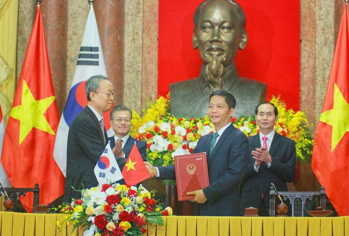 Tổng thống Moon Jae In cam kết các biện pháp bảo vệ cô dâu Việt - Ảnh 4.
