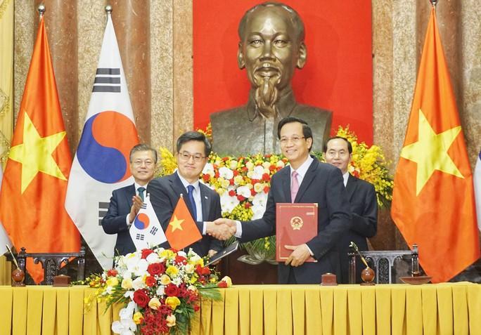 Tổng thống Moon Jae In cam kết các biện pháp bảo vệ cô dâu Việt - Ảnh 6.