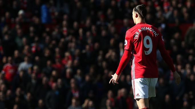 M.U xác nhận chấm dứt hợp đồng với Ibrahimovic - Ảnh 1.