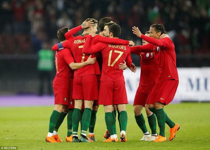 Ronaldo so tài Salah, Bồ Đào Nha hạ Ai Cập phút bù giờ - Ảnh 3.