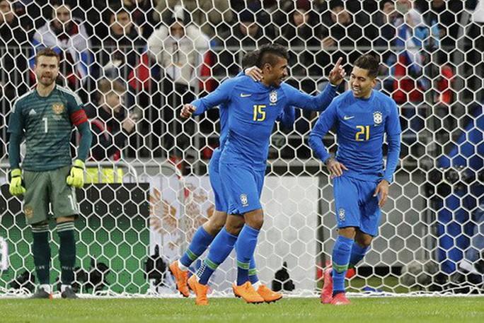 Sao Barca tỏa sáng, Brazil đè bẹp chủ nhà World Cup ở Moscow - Ảnh 4.