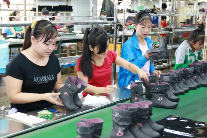 Cách mạng công nghiệp 4.0 tạo cơ hội cho lao động nữ - Ảnh 1.
