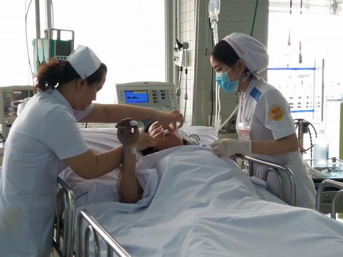 Phó Thủ tướng Trương Hòa Bình: Khẩn trương làm rõ vụ cháy chung cư Carina - Ảnh 2.
