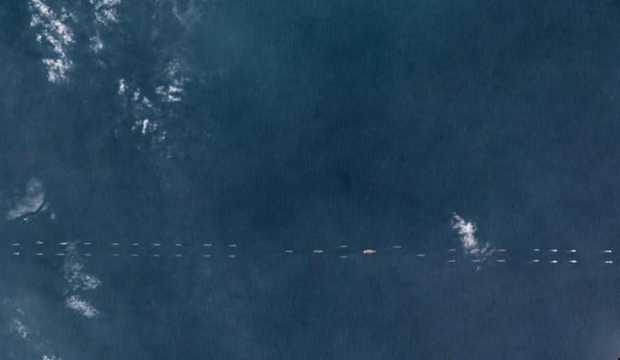 Cảnh báo: Tàu sân bay Trung Quốc tập trận ở biển Đông - Ảnh 1.