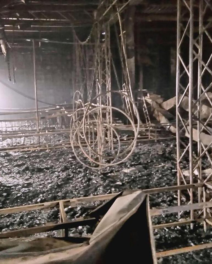 Những câu chuyện ám ảnh trong vụ cháy trung tâm mua sắm ở Nga - Ảnh 4.