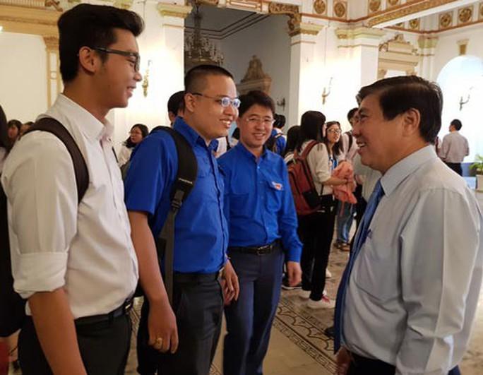 Sinh viên TP HCM quan tâm đề án thu hút nhân tài - Ảnh 1.