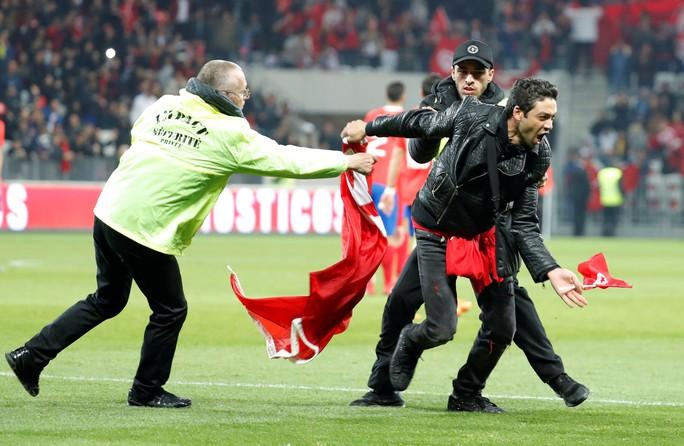 Thắng giao hữu, fan Tunisia ăn mừng như thể vô địch - Ảnh 10.
