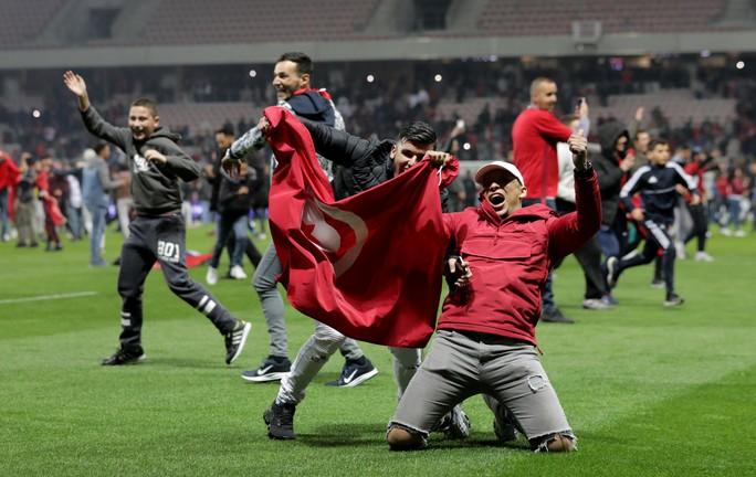 Thắng giao hữu, fan Tunisia ăn mừng như thể vô địch - Ảnh 11.