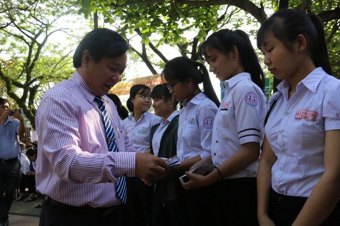 Cùng Báo Người Lao Động hỗ trợ các hoàn cảnh khó khăn - Ảnh 1.