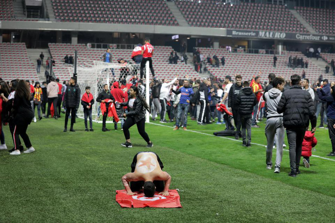 Thắng giao hữu, fan Tunisia ăn mừng như thể vô địch - Ảnh 9.
