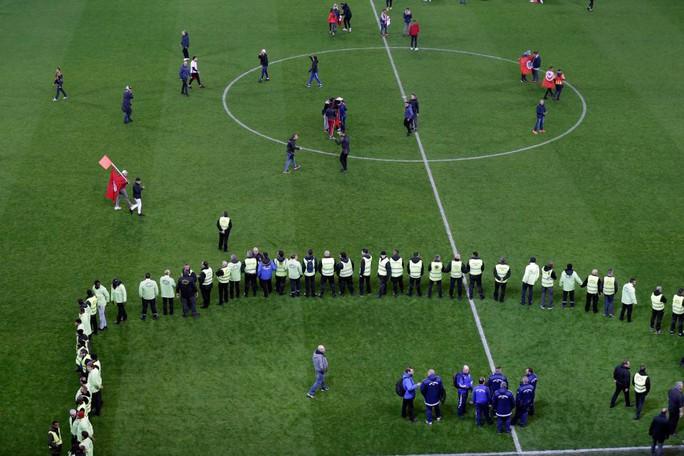 Thắng giao hữu, fan Tunisia ăn mừng như thể vô địch - Ảnh 5.