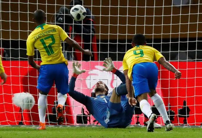 Sao trẻ lập công, Brazil đòi nợ nhà vô địch World Cup - Ảnh 3.