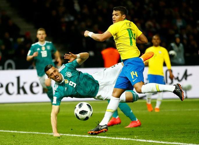 Sao trẻ lập công, Brazil đòi nợ nhà vô địch World Cup - Ảnh 1.
