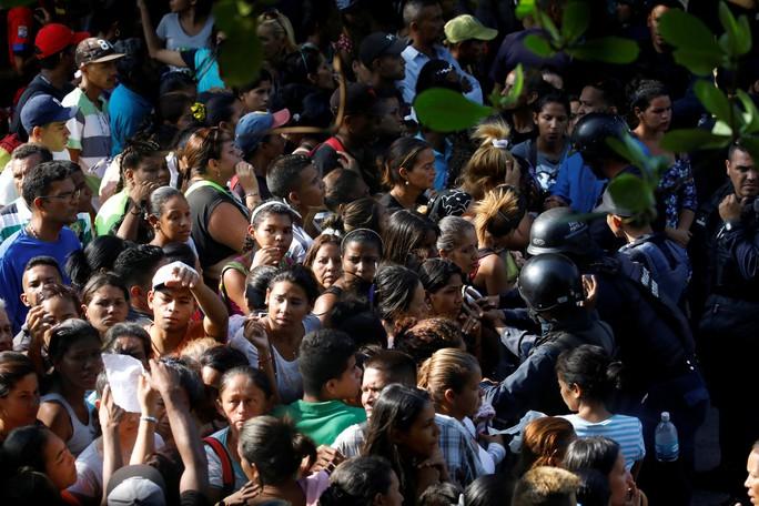 Bạo động ở Venezuela, 68 người thiệt mạng - Ảnh 1.
