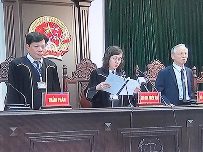 Ông Đinh La Thăng lãnh 18 năm tù, bồi thường 600 tỉ đồng - Ảnh 1.
