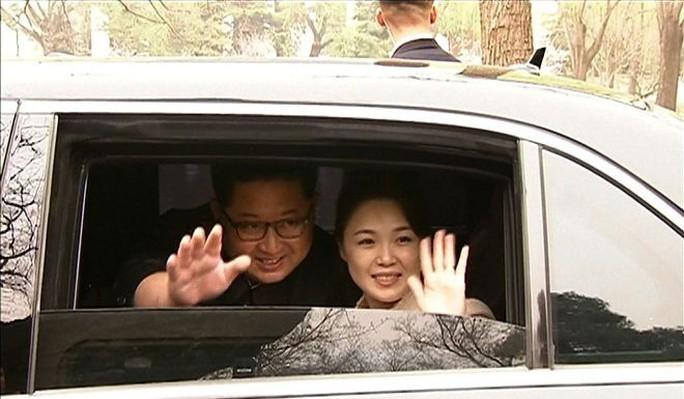 Đằng sau nụ cười của ông Kim Jong-un - Ảnh 5.