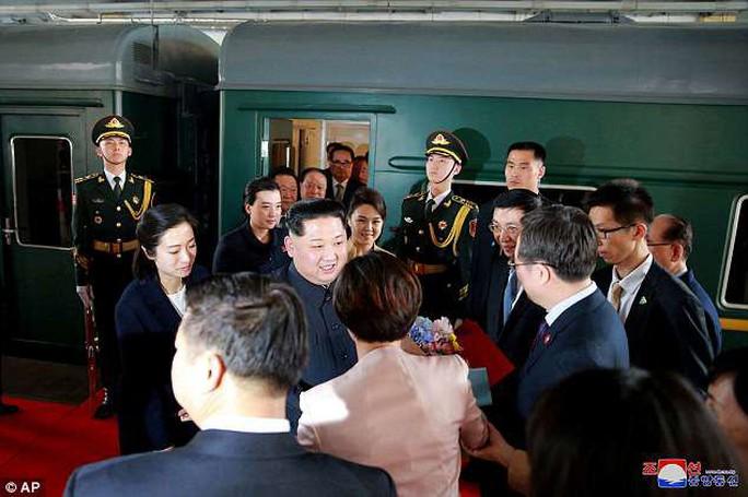 Nội thất xa hoa trong con tàu của ông Kim Jong-un - Ảnh 5.