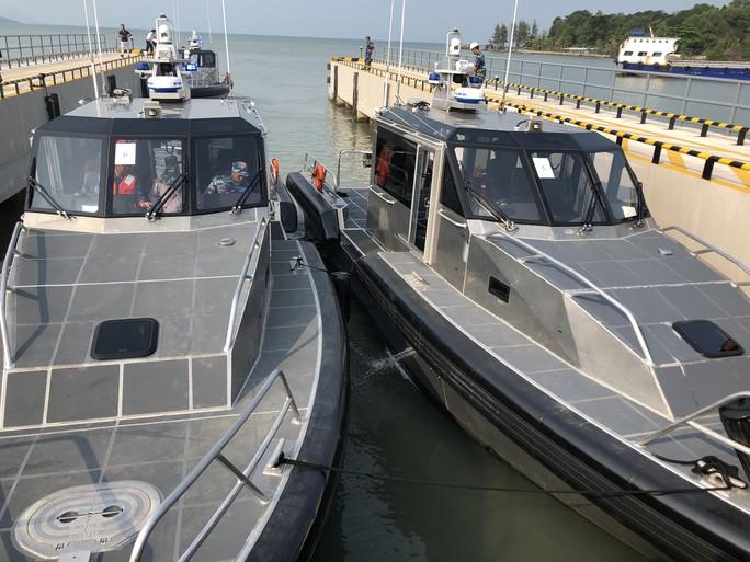 Mỹ chuyển giao 6 xuồng tuần tra phản ứng nhanh cho Việt Nam - Ảnh 2.