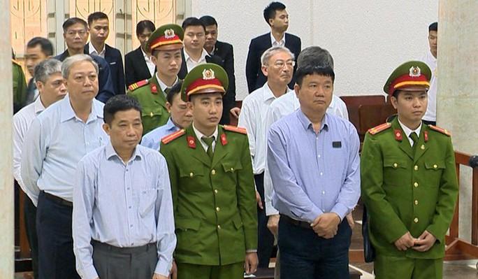 Ông Đinh La Thăng lãnh 18 năm tù, bồi thường 600 tỉ đồng - Ảnh 2.